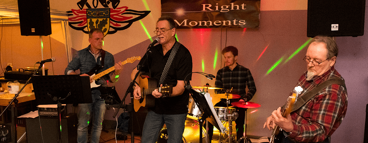 "Band ""Right Moments"""