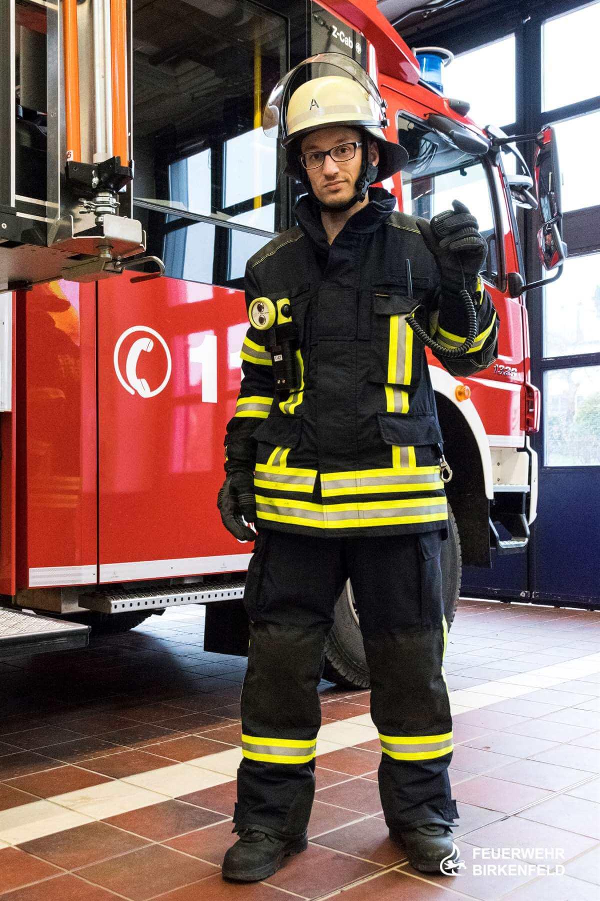 Feuerwehrmann in Brandschutzkleidung