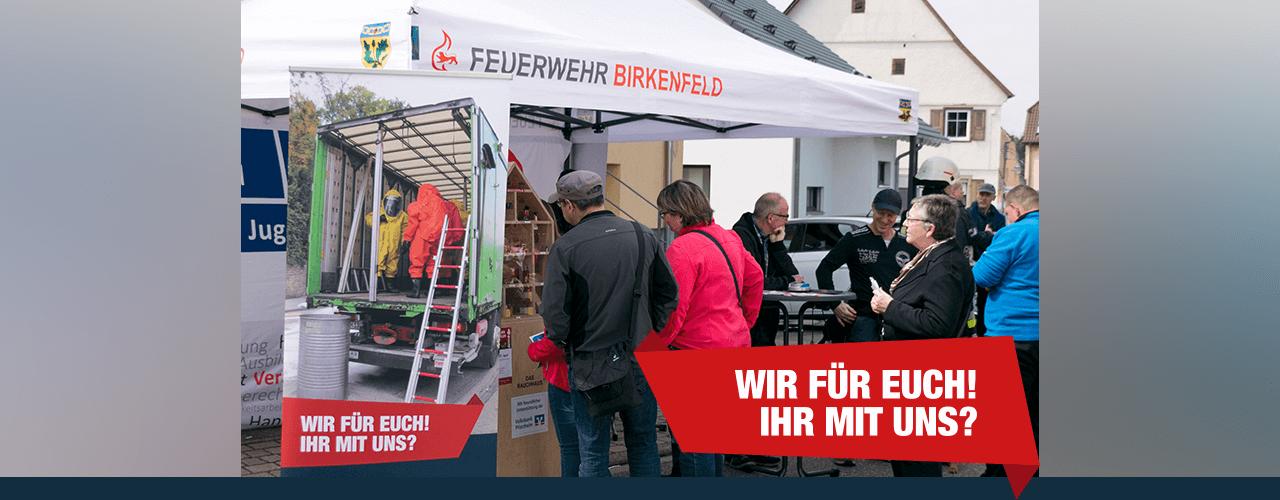 Infostand der Feuerwehr Birkenfeld beim Handwerkermarkt